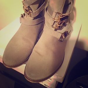 Steve Madden Haggle grey suede size 10 Booties